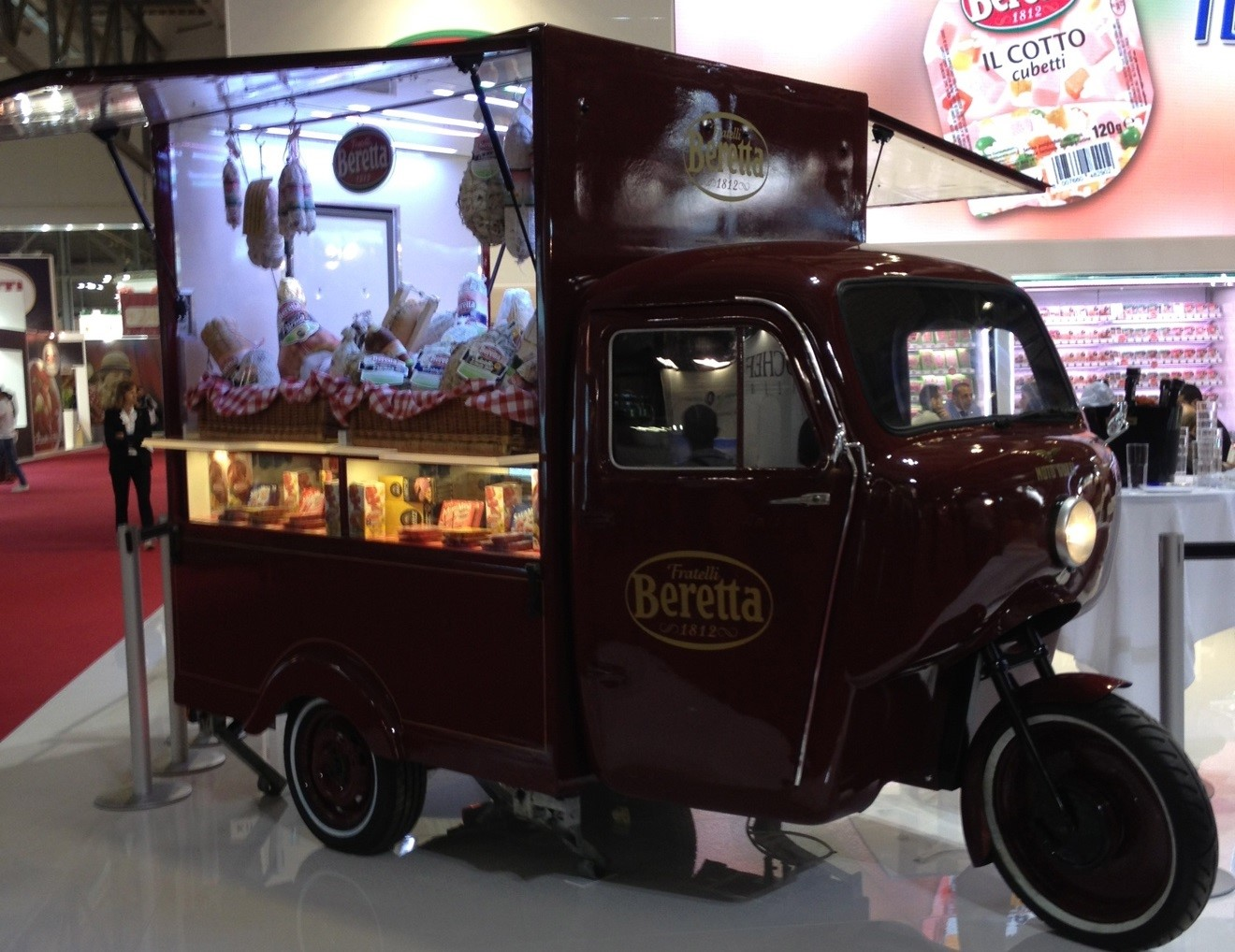 Figure 9. Old-fashioned food truck at TuttoFood.