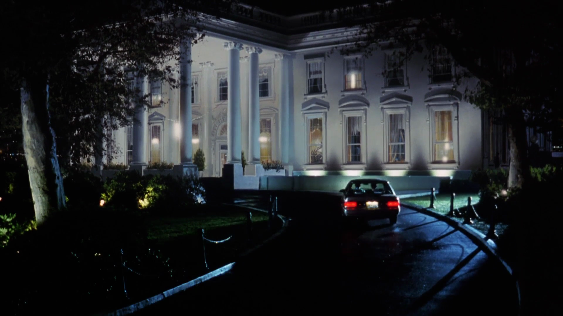 Figure 6. Shot of the White House, North Portico in Dave, Ivan Reitman (1993)