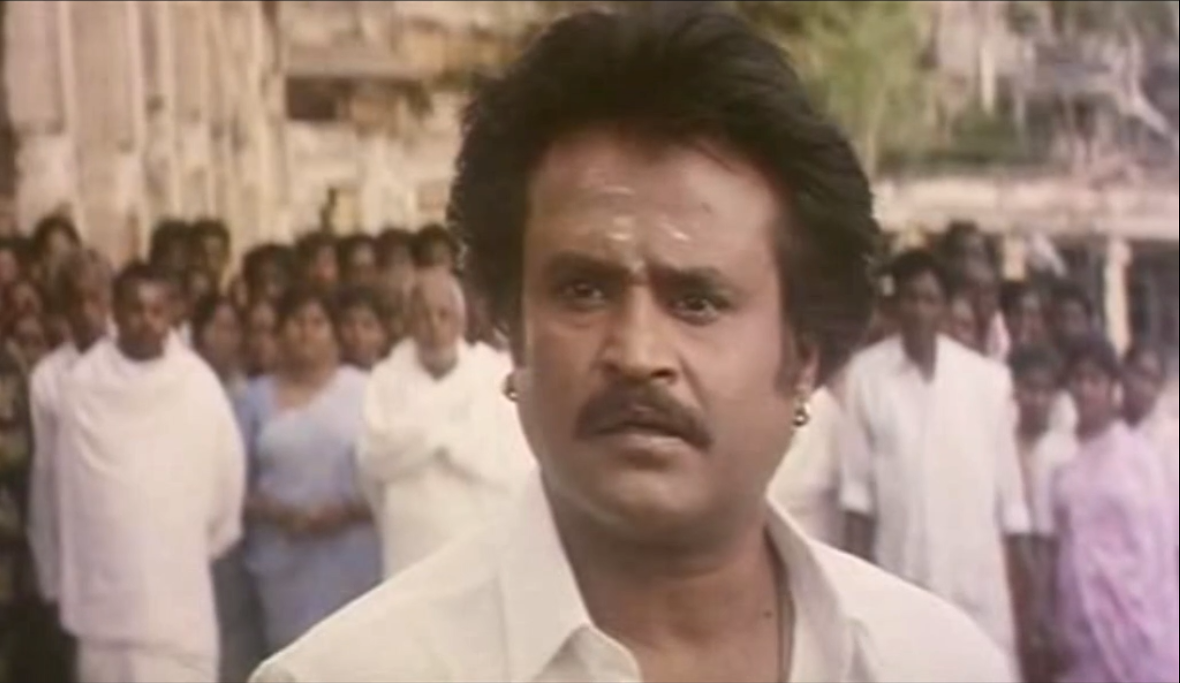 Still from Arunachalam (1997)